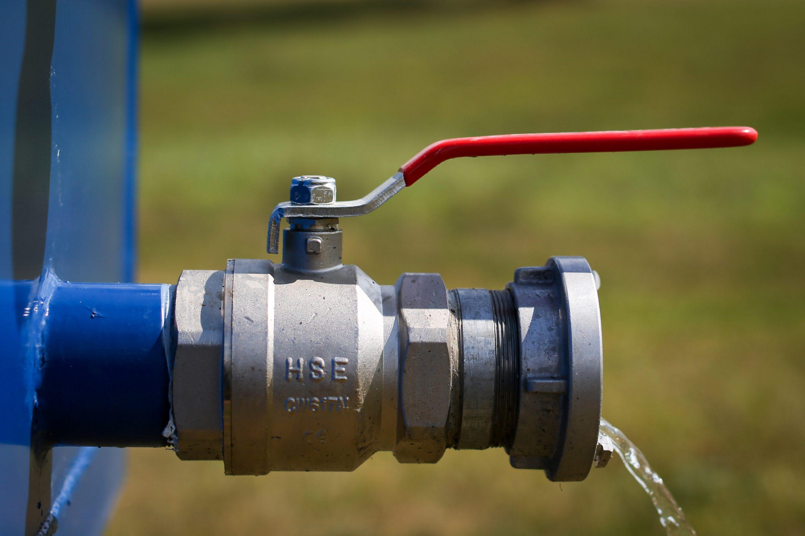 Ablauf 3 Zoll Kugelhahn am Entwässerungscontainer